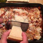 Parmesan für Lasagne
