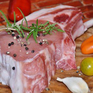 Frisches Fleisch vom Metzger