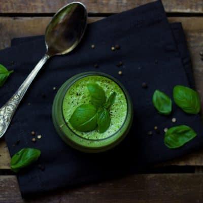 Vegane Avocado-Gurken-Suppe